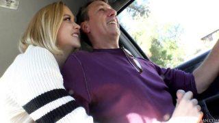 Kocasına Yolda 31 Çekiyor